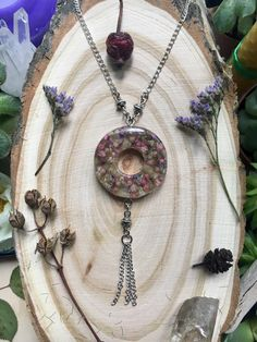 Flower circle necklace, Real flower jewelry, real flower in resin, forest jewelry, botanic jewelry, necklace with flowers, Forest jewelry, forest pendant, Forest style, flower pendant