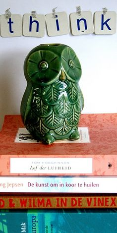folksy green ceramic owl from an interesting dutch blog about happy things