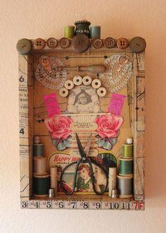 flower mandala round assemblage button box