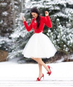 Look rosso e bianco con gonna in tulle
