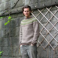 Ravelry: Riddari pattern by Védís Jónsdóttir. Love this muted colour… Knitting Wool, Hand Knitting, Knitting Sweaters, Norwegian Knitting, Fair Isle Knitting Patterns, Icelandic Sweaters, Crochet For Boys, Ravelry, Sweater Design