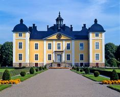 A Swedish castle. Villas, Castle On The Hill, Winter Palace, Casa Real, Grand Homes, Modern Photography, Europe, Place Of Worship, Old Buildings