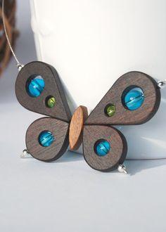 Blue  Butterfly necklace por 3dots en Etsy, $49.00