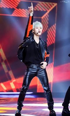 """This was at the """"Perfect Man"""" Perfomance. I think with this jacket and leather jeans, he do look like a racer"""