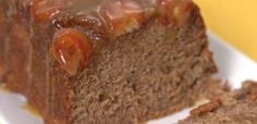 When you're looking for a treat that's sweet and satisfying without being TOO sweet, take a chance on this upside-down banana bread topped with caramel glaze! Gourmet Recipes, Sweet Recipes, Dessert Recipes, Bread Recipes, Just Desserts, Delicious Desserts, Awesome Desserts, Caramel Glaze Recipe, Tiphero Recipes