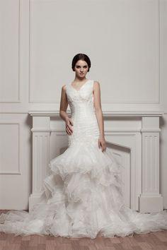 Robe de mariée plissé jusqu'au sol avec gradins de col en v avec zip
