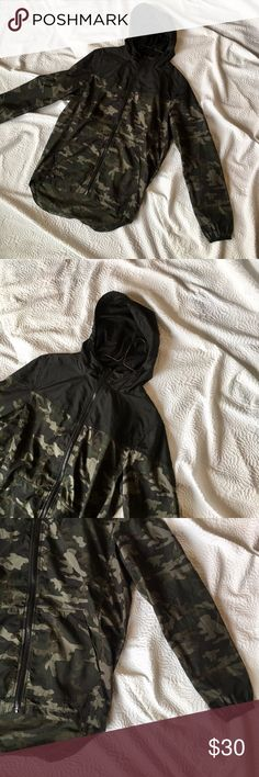 """Camo Jacket Size Large Men Windbreaker Camouflage Camo Jacket Size Large Men's Windbreaker Camouflage Green Black Fast Shipping Like New Light Weight  Measurements: Front Length 28"""" Back Length 33"""" Sleeve Length 27"""" Shoulders 18"""" Armpit to Armpit 22.5"""".  Fabric: 100% Polyester. Camo Jackets & Coats Windbreakers"""