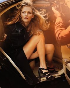 i am obsessed with Michael Kors ad campaigns. i especially like this fall 2009 ad. (Photography by Mario #Testino).