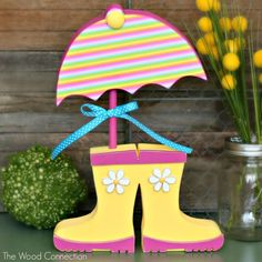 Wood Connection-Rain Boots and Umbrella Autumn Crafts, Summer Crafts, Holiday Crafts, Crafts To Make, Crafts For Kids, Diy Crafts, Spring Projects, Craft Projects, Diy Ostern