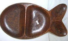 Wooden kitchen giftware wholesale fish shape coconut wood plate