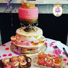 Follow and shop @myvintagecakes or @myvintageshaadi for all your special occasions weather its an Vintage umbrella or to cakes. Please DM or  WhatsApp on 07497640189 me for prices.  #cakes #cakepops #vintage #uk #foodporn #weddings #princess #pink #babyshower #birthdayparties #bridalshower #cakebaker #homemade #cupcakes #shabbychic #love #flowers #bouquet #weddingseason #mehndi #surprisegift #asianbride #vintageumbrella #asianattire #asiabride #londonmuas  #birminghamott #evedeso…