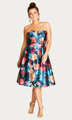 There is nothing more lush than this floral party dress. Key Features Include:- Exaggerated strapless sweetheart neckline- Removable adjustable shoulder straps- Fitted waistband- A-line skirt- Tull Plus Size Cocktail Dresses, Plus Size Party Dresses, Plus Size Outfits, Race Day Fashion, Race Day Outfits, Plus Size Summer Fashion, Plus Size Fashionista, Looks Plus Size, Curvy Women Fashion