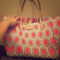 Handbag Beautiful kate spade bag! In fantastic condition!  No stains or rips! This bag is very spacious and has beautiful colors! kate spade Bags Shoulder Bags