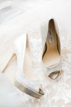 Metallic shoes: http://www.stylemepretty.com/florida-weddings/palm-beach/2015/05/27/glamorous-champagne-gold-wedding-at-the-breakers/ | Photography: Shea Christine - http://www.sheachristine.com/