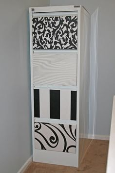 Super Simple File Cabinet Upcycle – decorated with wall paper! Super Simple File Cabinet Upcycle – decorated with wall paper! Malm, Furniture Makeover, Diy Furniture, Diy File Cabinet, Blue Velvet Chairs, Office Makeover, Cabinet Makeover, Diy Cabinets, Filing Cabinets