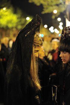 Semana Santa de Valladolid.  Cesar Catalan, via Flickr. ¡Haz clic en la foto para leer mucha información sobre Semana Santa en España!