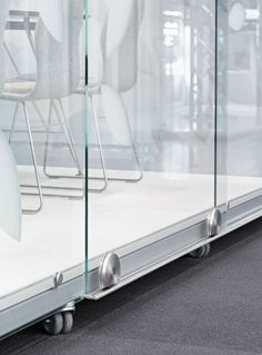 The movable meeting room on wheels