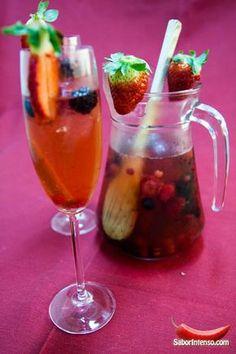Sangria de Champanhe com Frutos Vermelhos