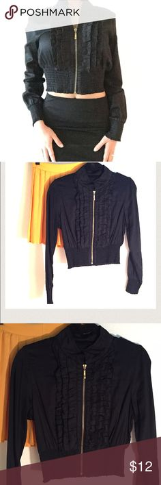 Forever 21 black Crop Top Black Forever 21 long sleeve crop top. Slight ruffle and gold zipper accent with banded bottom and sleeves gives this top a whole new level of dimension. Forever 21 Tops Crop Tops