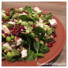 Spinatsalat med granatæble og feta
