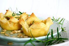 Drinktilltugg med chèvre, pinjenötter & honung Nachos, Afternoon Tea, Mozzarella, Potato Salad, Shrimp, Snack Recipes, Chips, Food And Drink, Appetizers