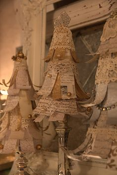 Wonderful shabby chic Christmas trees. Could print off 13th Chapter of Cor. and quotes on love to make for wedding decor.