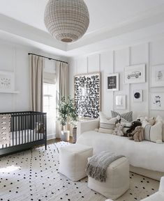 There is something so perfect and serene about a black and white nursery. These black and white nursery ideas will help you create a stylish space. Baby Room Design, Nursery Design, Baby Boy Rooms, Baby Boy Nurseries, Boy Bedrooms, Nursery Modern, Modern Nurseries, Black Crib Nursery, Neutral Nurseries