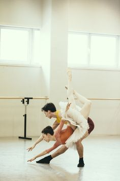Ballet Vlaanderen in rehearsal for The Sleeping Beauty
