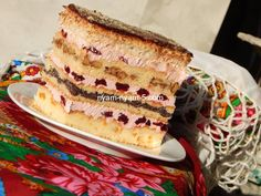 "Пляцок ""Бандерівський"" вишневий крем Nut Free, Dairy Free, Russian Desserts, Traditional Cakes, Copycat Recipes, Bon Appetit, Vanilla Cake, Kids Meals, Sweet Recipes"