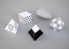 Project : Paper Christmas Decorations • Lot's of tutorials, including these geometric box ornaments by 'Minieco'!