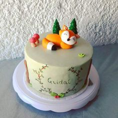 50 Fox Cake Design (Cake Idea) - March 2020 Fox Cake, Cool Cake Designs, Cake Flour, Baking Tips, Baking Soda, March, Make It Yourself, Birthday, Desserts