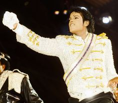 Michael Jackson's Son, Michael Jackson Bad, Michael Jackson Thriller, The Jacksons, Visual Arts, American Singers, Destiny, Candid, Victorious