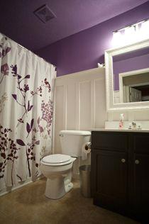 Bathroom Makeover: Board and Batten in Purple · Home and Garden | CraftGossip.com