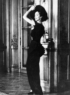 1948 Jeanne Klein in Dior's Zig-Zag Line evening dress