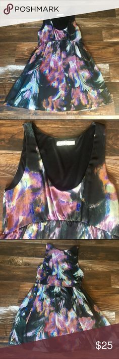 Urban outfitters pins and needle dress Sz m, small snags shown in photo. Not noticed due to fabric type and colors. Side zipper. Approximately 33 inches long Urban Outfitters Dresses