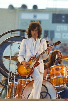 Jimmy Page, John Bonham 1973 Kezar Stadium Jimmy Page, Jimmy Jimmy, Robert Plant, Great Bands, Cool Bands, Guitar Guy, Guitar Players, John Bonham, Greatest Rock Bands
