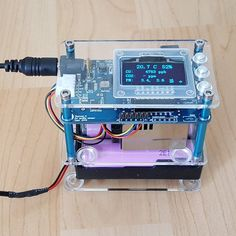 For those who wonder how safe the air around them is and what can be changed to avoid the negative health effects of polluted air. Electronics Projects, Cool Electronics, Arduino Projects, Electronic Gadgets For Men, New Technology Gadgets, Cool Technology, Arduino Code, Diy Arduino, Arduino Beginner