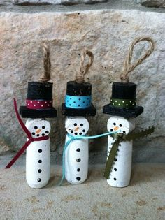 16. Wine Cork #Snowman - 39 Cork Crafts That Will Make You Wish You #Drank More Wine ... → DIY #Easiest