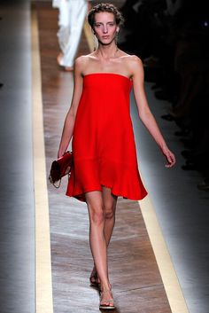 Valentino - Spring 2012 Ready-to-Wear - Look 12 of 56