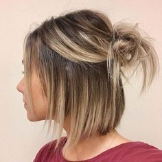 Gorgeous Short Hairstyles for Women with Fine Hair To Copy – - - frisuren frauen hair hair women Cool Bobs, Medium Hair Styles, Long Hair Styles, How To Style Short Hair, Short Hair Syles, Short Hair Lengths, Style A Bob, Short Hair Braid Styles, Medium Lengths