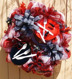 Whimisical Summer Picnic Themed Deco Mesh Wreath!  Red and Black Gingham!  With cute Ants!