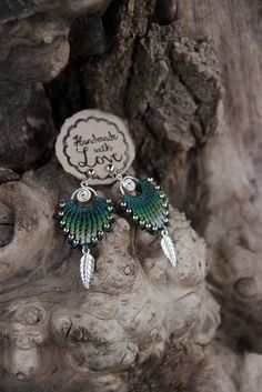 """""""Fächer"""" Spiral Macramee Ohrringe silber, grün von Arte Macramee .knotenkunst auf DaWanda.com"""