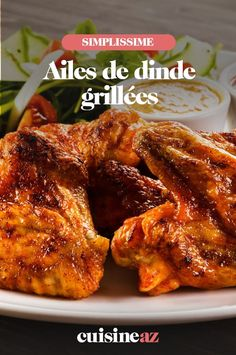 Ces ailes de dinde grillées se cuisent au barbecue. #recette#cuisine#volaille#poulet #bbq #barbecue Barbecue, C'est Bon, Tandoori Chicken, Chicken Wings, Meat, Ethnic Recipes, Food, Grilled Turkey, Poultry