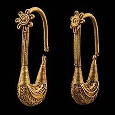 Pair of Gold Boat-shaped Earrings, grave 6, Ancient Georgia, ca. 400-350 B.C.