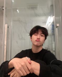 Cute Asian Guys, Asian Boys, Asian Men, Cute Guys, Korean Boys Hot, Korean Boys Ulzzang, Korean Men, Mixed Guys, Bad Boy Aesthetic