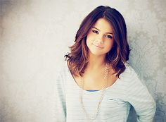 donating my hair Wednesday ! snip snip ! soo excited :) this will be my new hair cut .