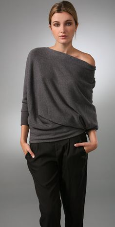 Celebrities who wear, use, or own Vince Wedge Tunic Sweater. Also discover the movies, TV shows, and events associated with Vince Wedge Tunic Sweater. Look Fashion, Autumn Fashion, Fashion Outfits, Womens Fashion, Fashion Design, Mode Style, Style Me, Tunic Sweater, Look Chic