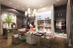 A vital aspect of this project was that of achieving a balance between the suggestive undertones of the clothes and a fresh, appealing ambiance that could make everybody feel comfortable stepping in through the door.