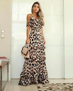 Are you having trouble figuring out what clothes fit better to a skinny girl like you? 8 tips will guide you through the best types of clothes. Mode Kimono, Leopard Print Outfits, Casual Dresses, Fashion Dresses, Dresses Dresses, Dresses Online, Evening Dresses, Summer Dresses, Mein Style