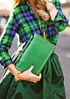 Our Epic Roundup Of Street Style Outfits To Try Now via Green Fashion, Look Fashion, Autumn Fashion, Plaid Fashion, Fashion Details, Mode Outfits, Fashion Outfits, Womens Fashion, Fashion Hacks